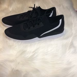 Under Armour Sportswear Shoes Size: 11